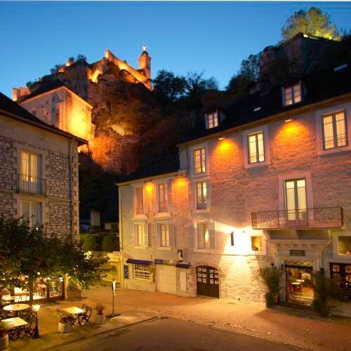 聖母院美麗酒店