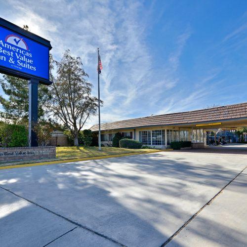 Americas Best Value Inn & Suites - Lancaster