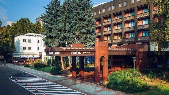 喬利阿龍酒店