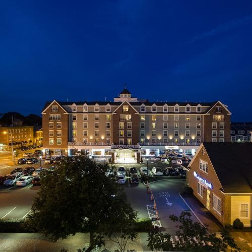 塞勒姆海濱酒店及套房