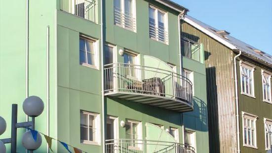 Saga Apartments