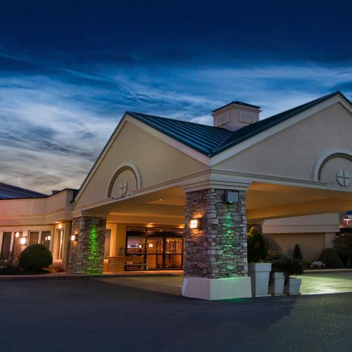 Holiday Inn Buffalo International Airport