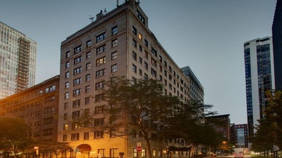 Dewitt Hotel and Suites Chicago