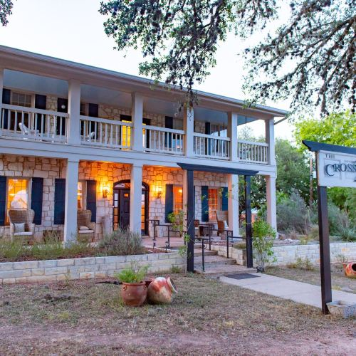The Crossroads Inn (Formerly Chantilly Lace Country Inn)