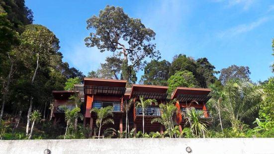 Blue Mountain Phangnga Resort