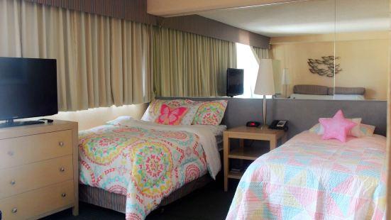 威基基海滩边的漂亮酒店