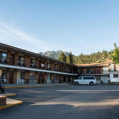 Radium Park Lodge