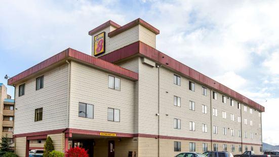克奇坎温德姆速 8 酒店