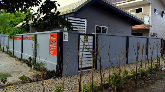 Micky Santoro- Apartments Cebu