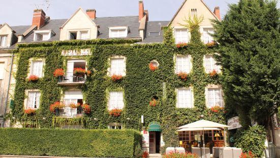 安妮布萊塔涅酒店