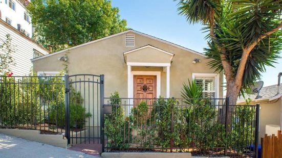 Charming 3BR/2BA Craftsman Home by Domio