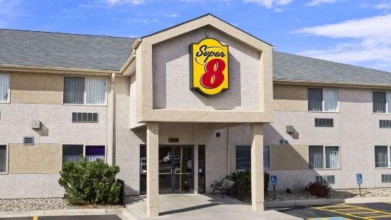 速8科羅拉多斯普林斯機場酒店