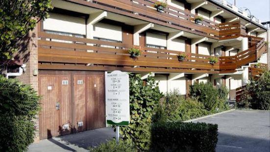 羅貝克斯裏爾凱裏亞德直營飯店
