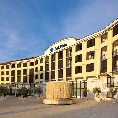 普拉希斯特里亞麗亭酒店