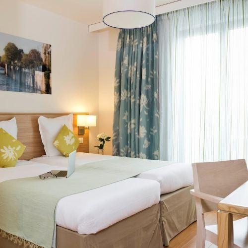 巴黎萬塞訥阿德吉奧公寓式酒店