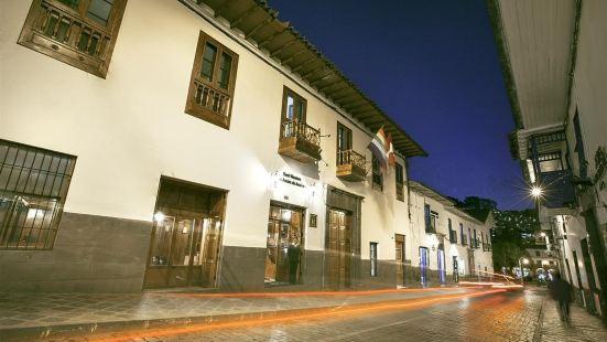 Selina Cusco Los Andes