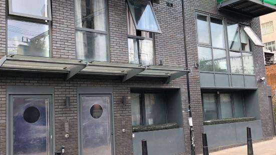 City Short Stays Aldgate East Studios