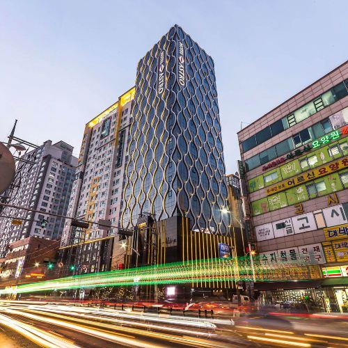 龍仁阿斯特羅酒店