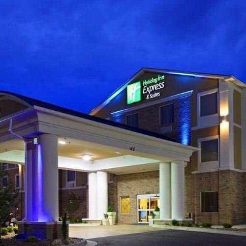 託萊多南 - 佩里斯堡智選假日套房酒店