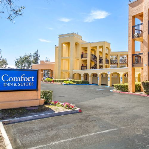 Comfort Inn & Suites San Francisco Airport North