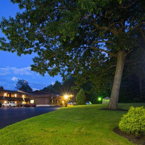 貝斯特韋斯特喬治湖酒店