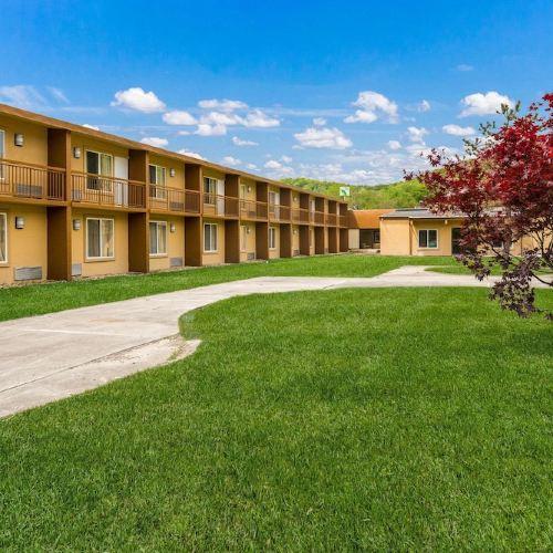 Rodeway Inn & Suites Stroudsburg - Poconos