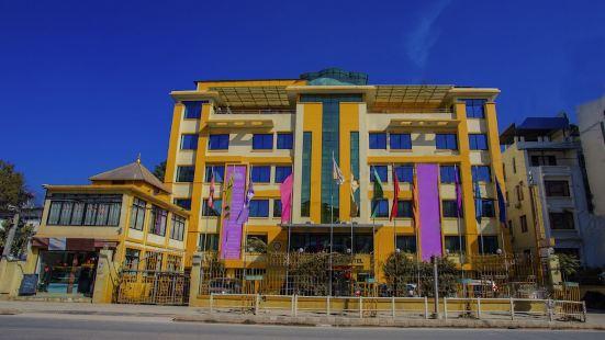 首都 O 338 黃色寶塔酒店
