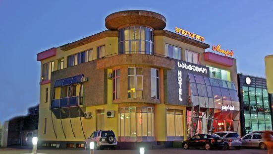 莫諾波里庫泰希酒店