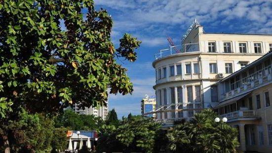 普里莫斯卡亞酒店