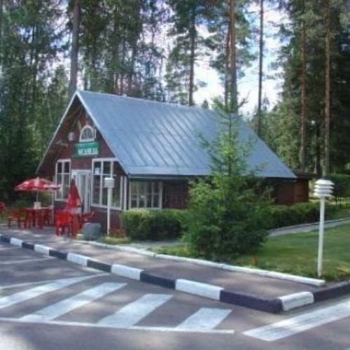 米德維汽車旅館