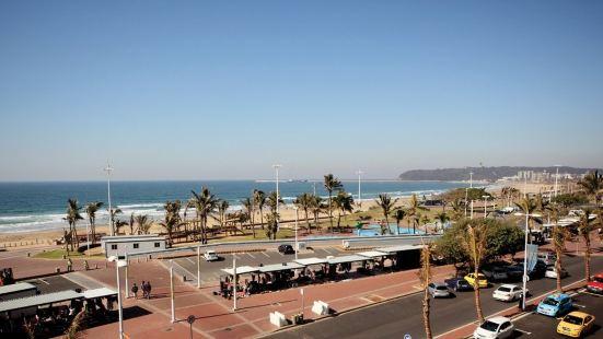 Gooderson Beach Hotel