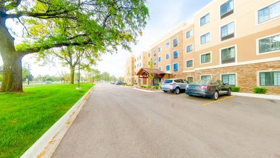 Staybridge Suites Ann Arbor- Univ of Michigan