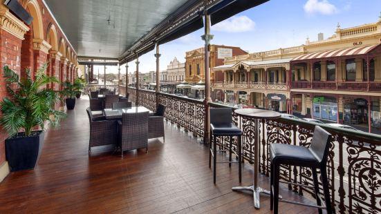 巴拉臘特喬治品質酒店