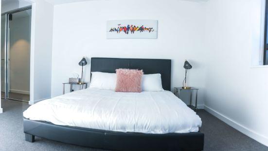 Vibrant Brisbane Inner City Living +Wifi & Netflix