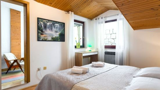 Split Apartments with Hotel Service