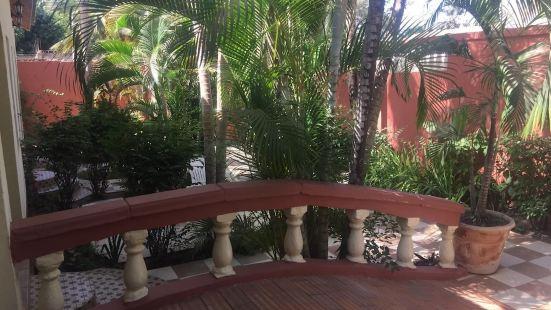 色馬荷住宅酒店