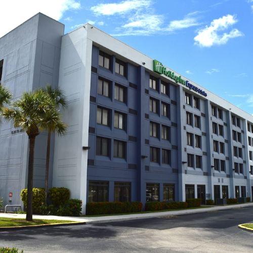 Holiday Inn Express Hotel & Suites Miami - Hialeah/Miami Lakes