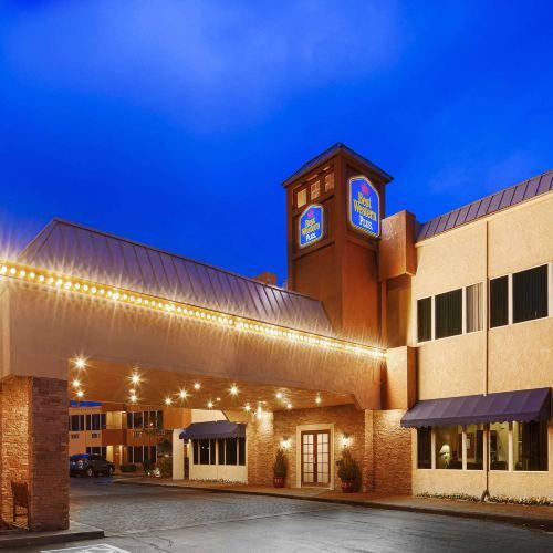 貝斯特韋斯特勞頓修爾住宿普拉斯酒店