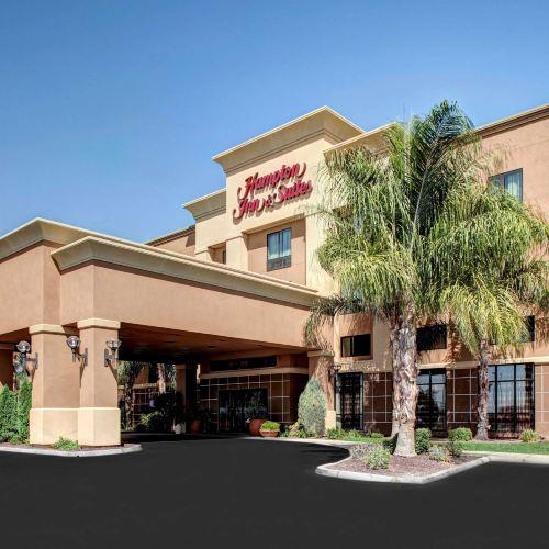 Hampton Inn and Suites Bakersfield / Highway 58
