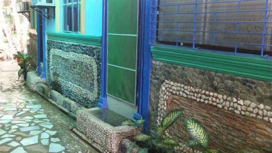 Dhayne Bed and Breakfast - Hostel