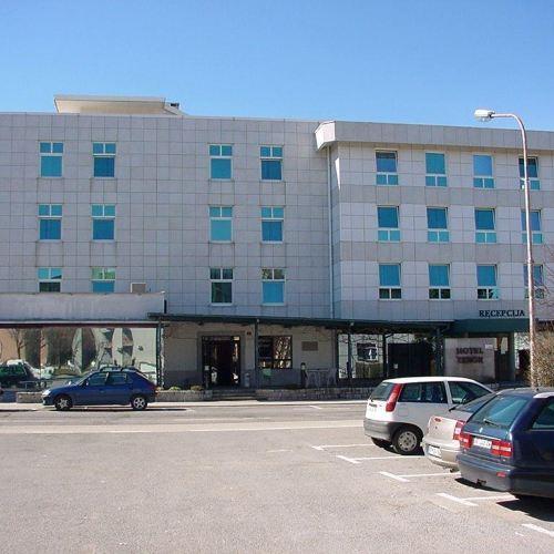 塔博爾酒店