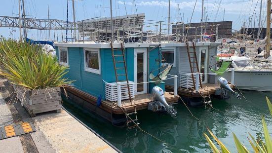 巴塞隆拿福魯姆地中海體驗船屋酒店