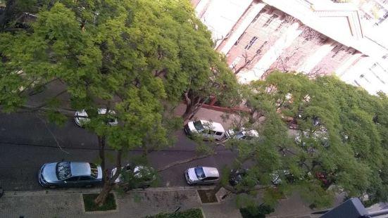 Apartment In Rosebank Johannesburg