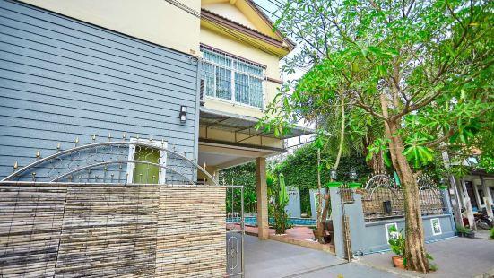 BKC Fishing Man Villa Four Bedrooms Standard Villa