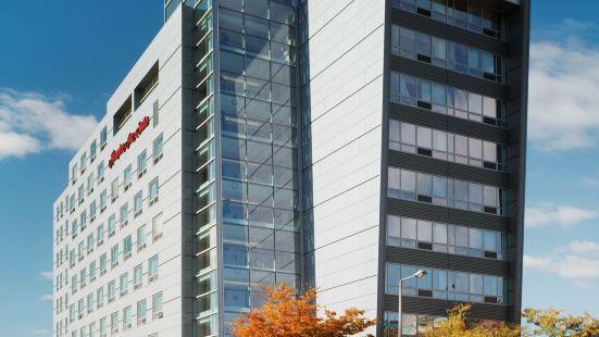 歡朋酒店 - 波士頓各區域中心
