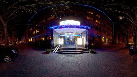 印古爾酒店