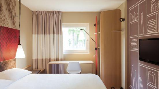 第比利斯體育場宜必思酒店 - 於 2019 年 11 月開業