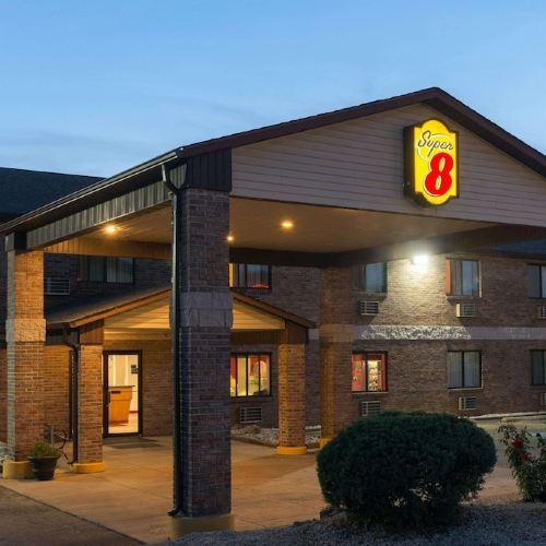 法明頓速8汽車旅館