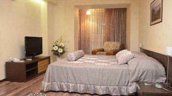 Hotel Zaurale