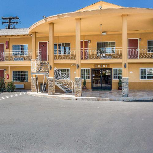 埃斯孔迪多市中心品質酒店